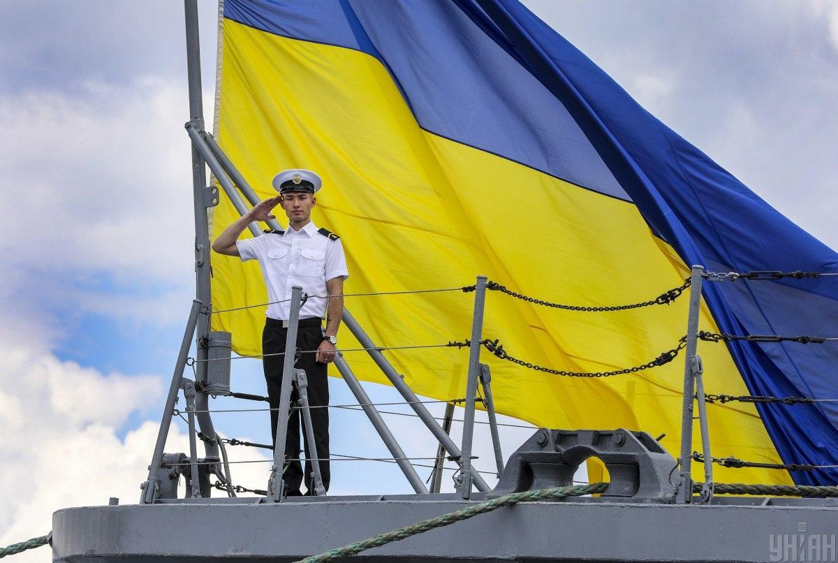 Вдоль побережья Крыма размещены боевые корабли Черноморского флота / фото УНИАН Владимир Гонтар