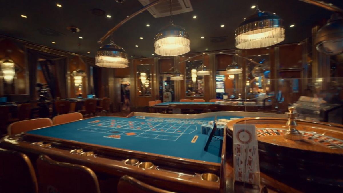 Казино мають право відкривати лише у п'ятизіркових готелях. А зали гральних автоматів у готелях 3,4 і 5 зірок. Або спеціальних гральних зонах