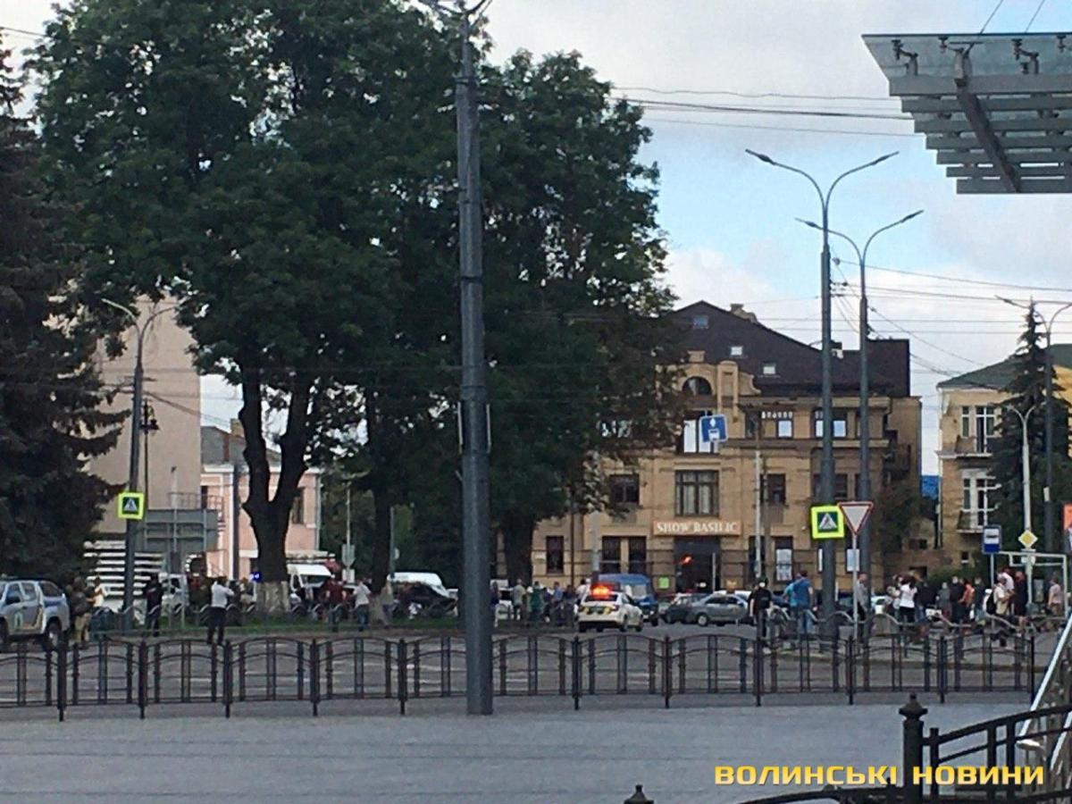 Ukraine hostage crisis: Police storm bus in Lutsk to end stand-off
