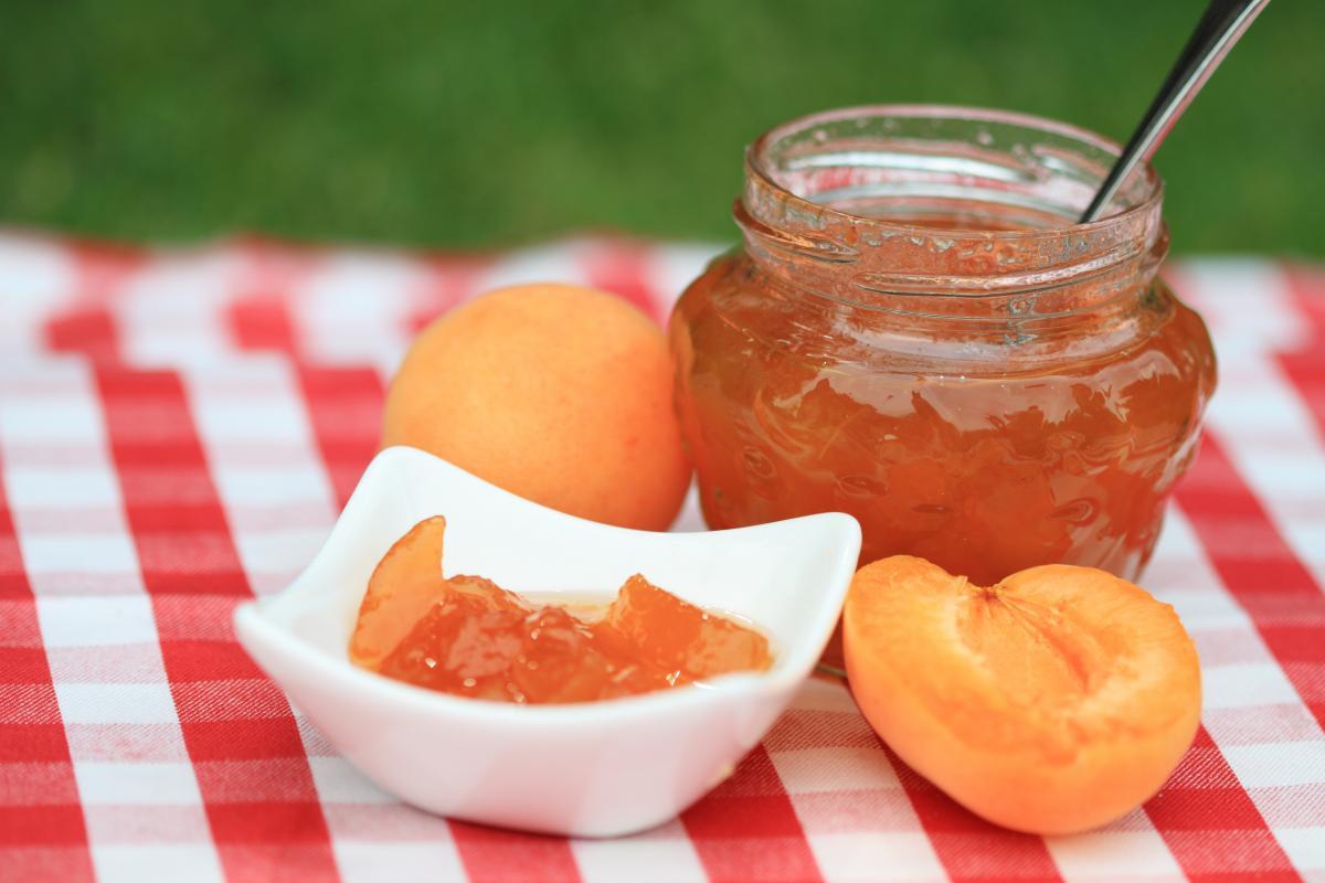 Вкусное абрикосовое варенье - рецепт / фото ua.depositphotos.com