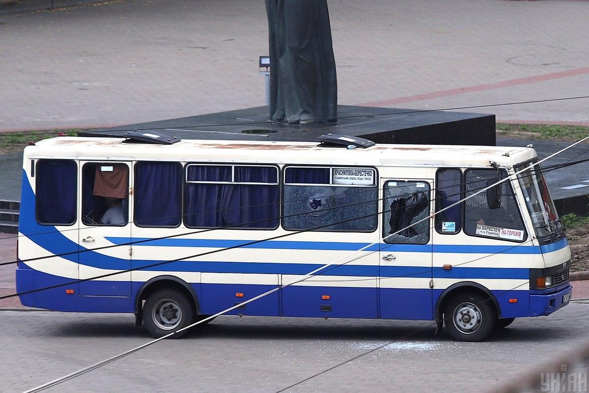 21 июля в Луцке вооруженный Максим Кривош захватил рейсовый автобус с пассажирами/ фото УНИАН