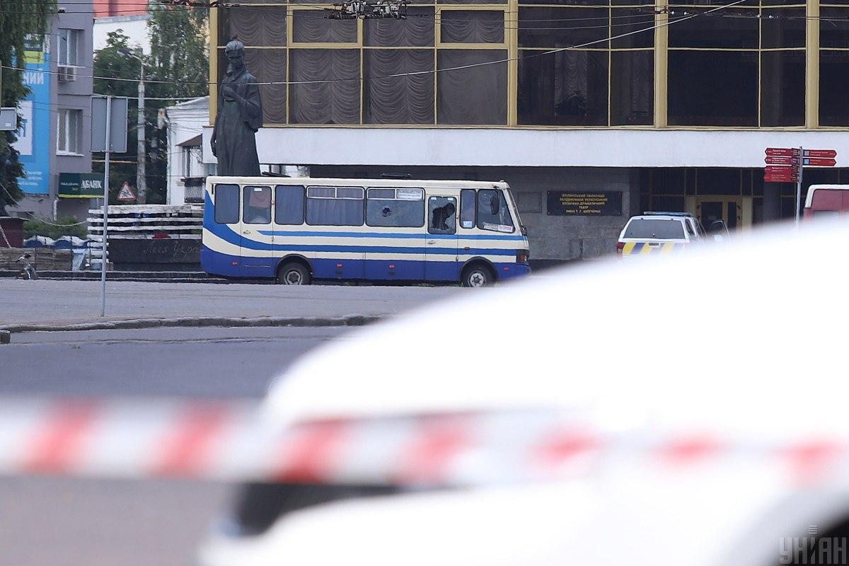 В Луцке террорист захватил автобус с пассажирами / фото УНИАН