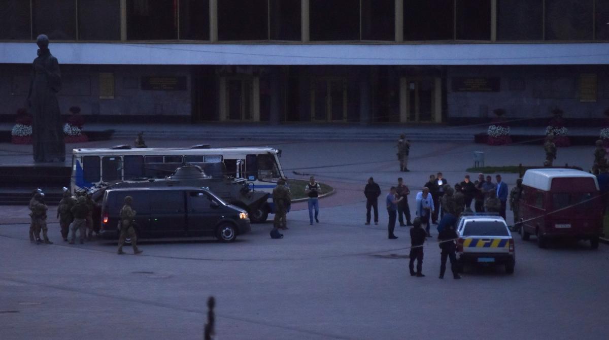 Захват заложников в Луцке / фото REUTERS
