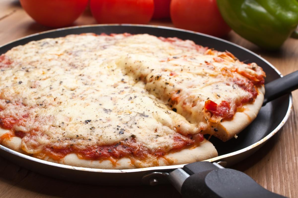 Піца на сковороді / фото ua.depositphotos.com
