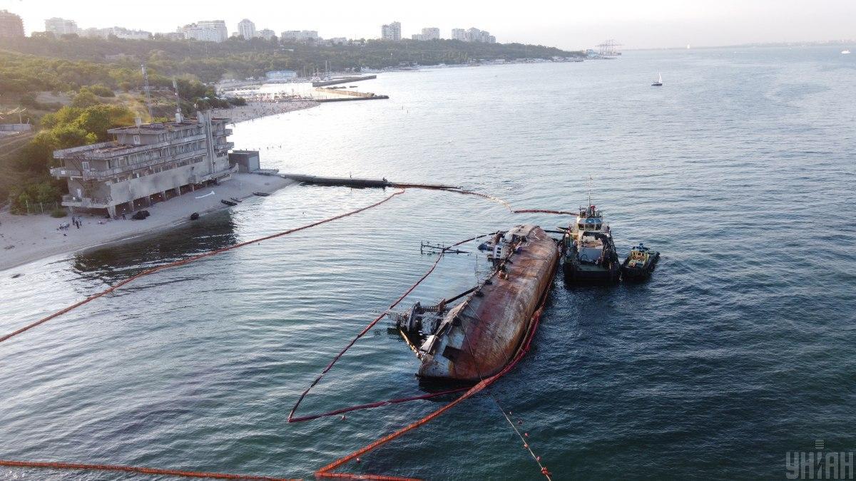 У берегов Одессы затонул танкер / фото УНИАН