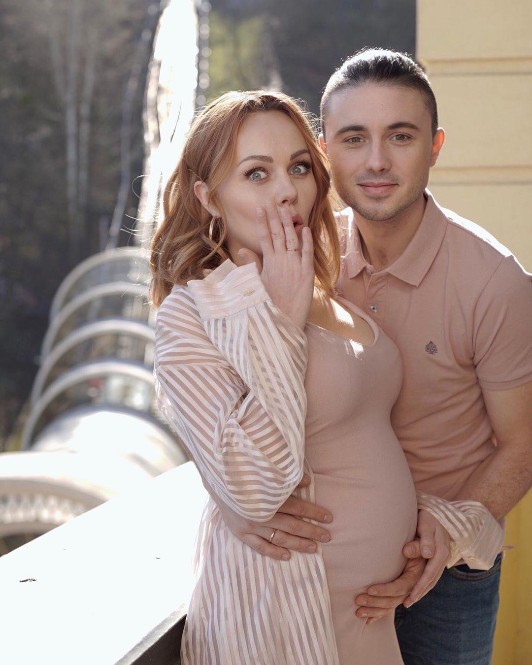 Тарас Тополя може записати спільну пісню з дружиною / фото instagram.com/alyoshasinger