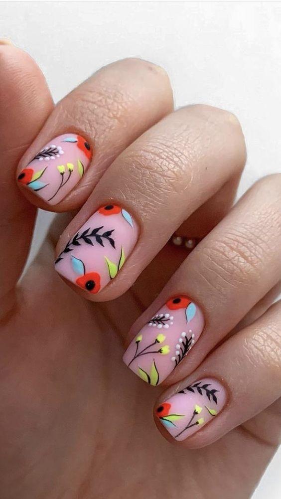 Цветы на ногтях / фото pinterest.com