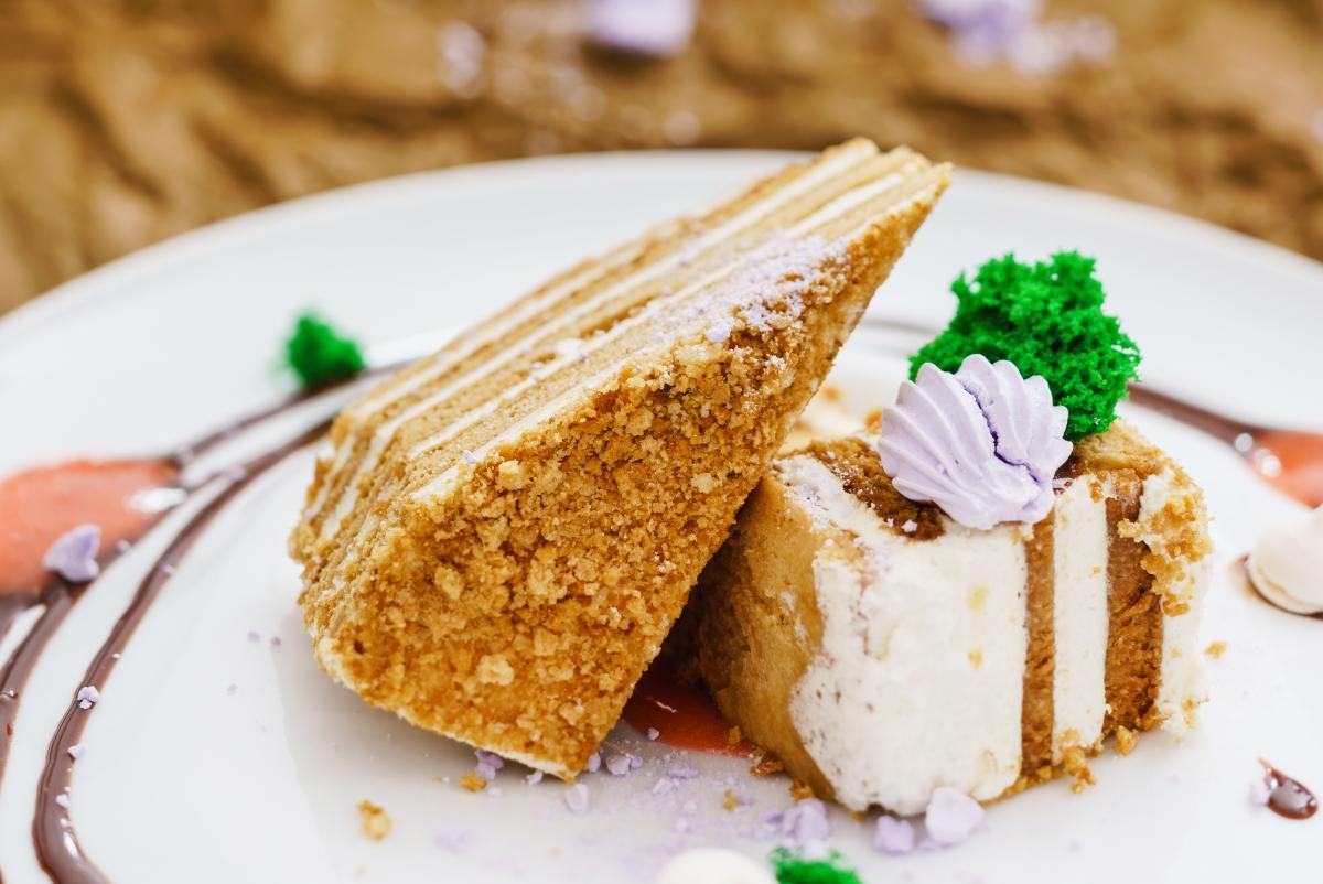 """Рецепт торт """"Медовик"""" / фото ua.depositphotos.com"""