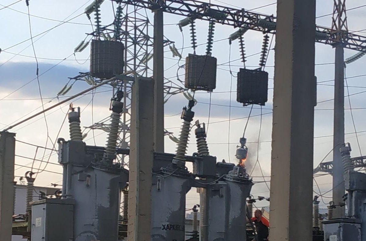 В Киеве городские службы устраняют повреждения оборудования на ТЭЦ-5 / фото КГГА