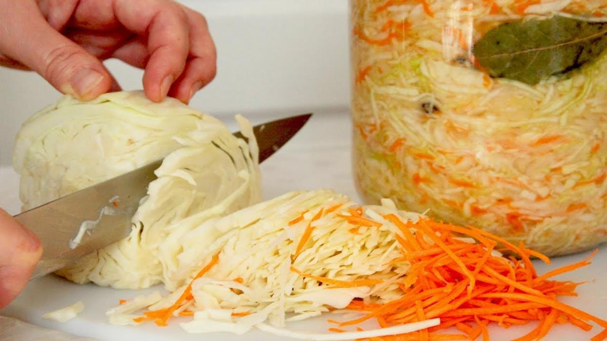 Рецептів квашеної капусти існує ціла безліч / youtube.com