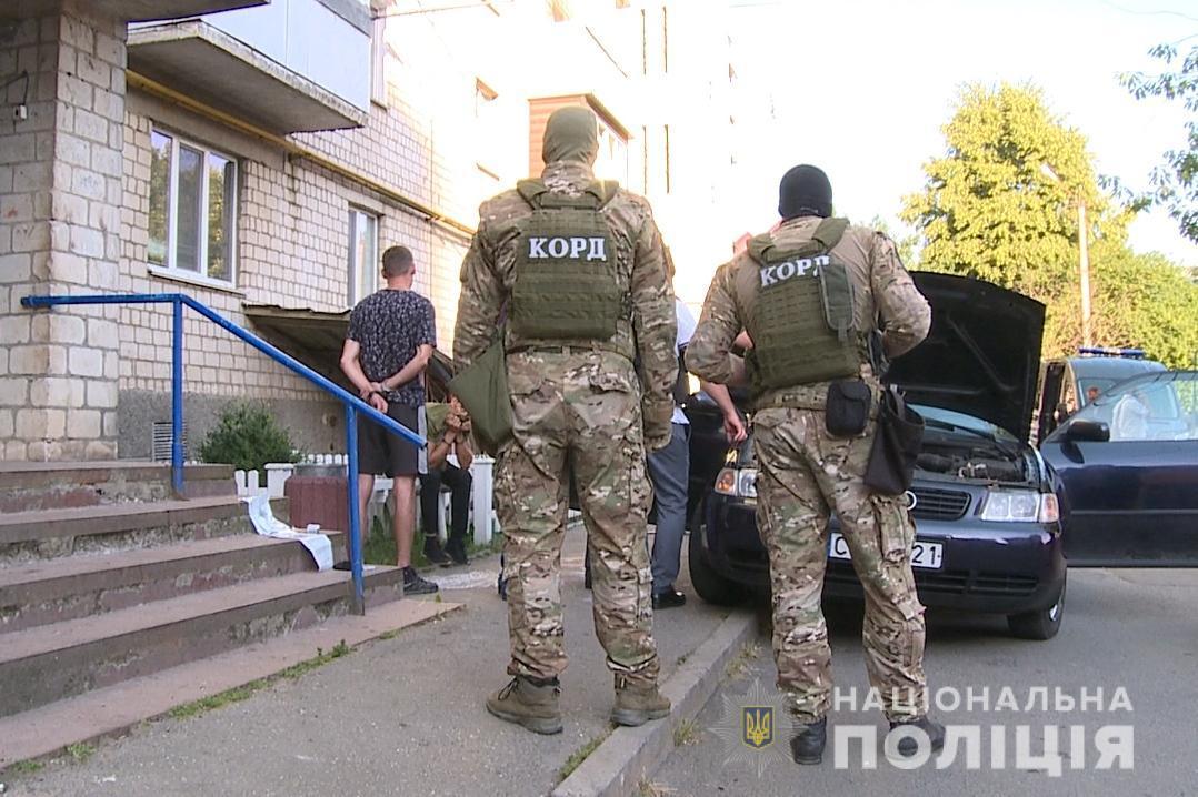 У зловмисників вилучили балаклави та рукавички/ фото npu.gov.ua