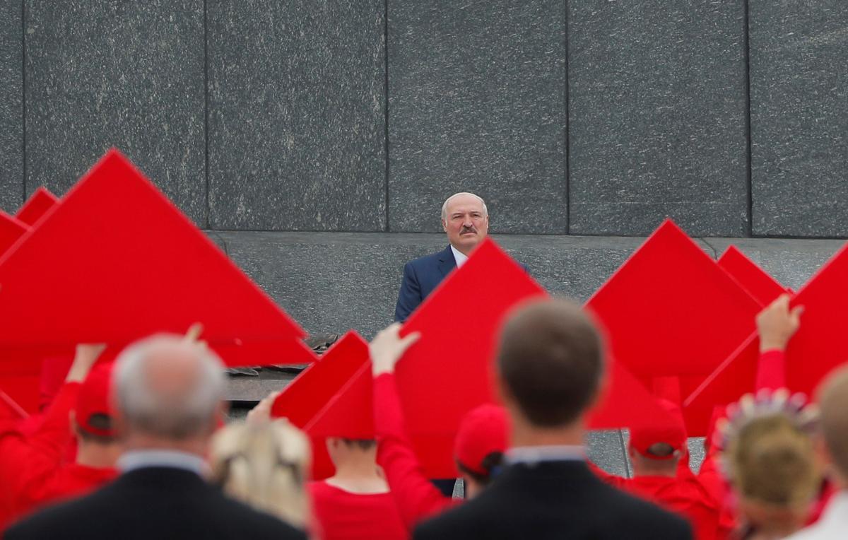 Олександр Лукашенко, стверджує ЦВК, знову здобув перемогу на президентських виборах в Білорусі/ REUTERS