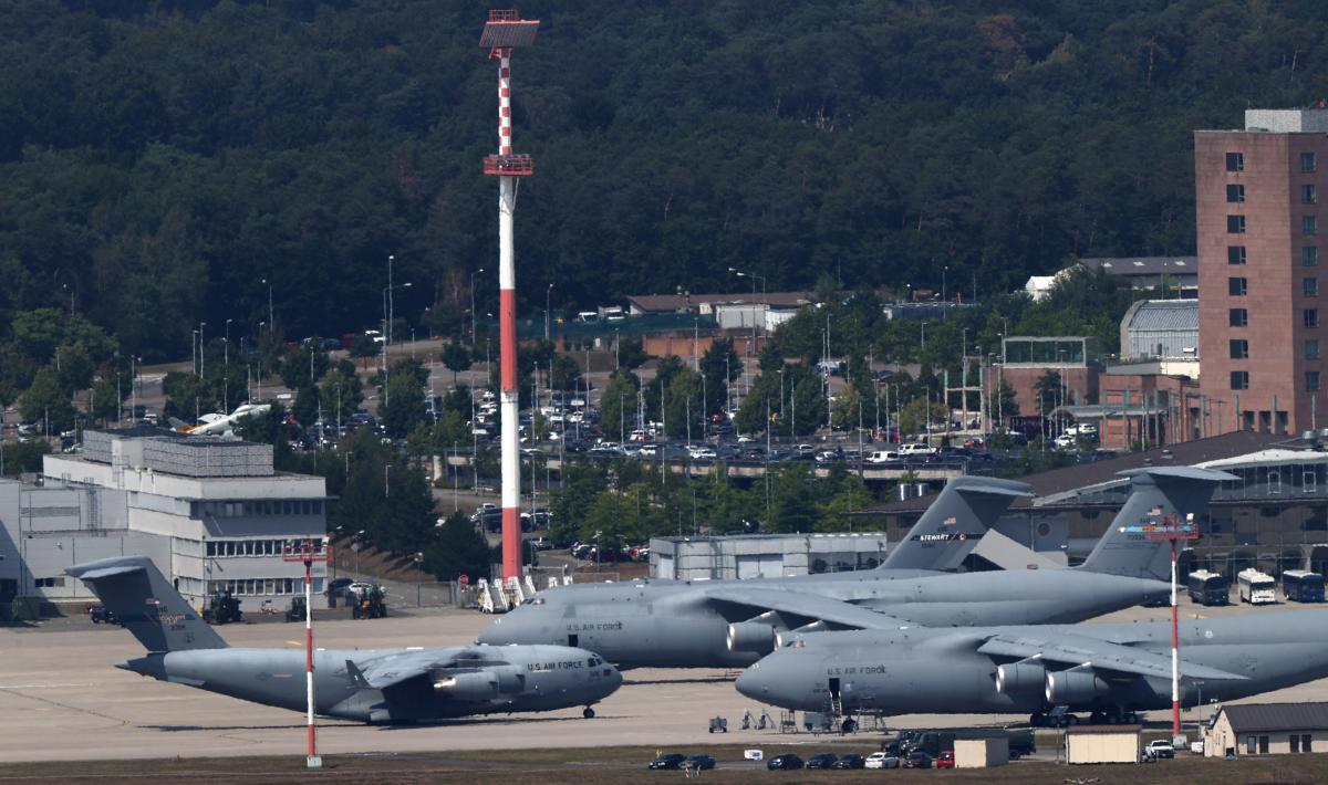 Військово-повітряна база США Рамштайн у Німеччині / REUTERS