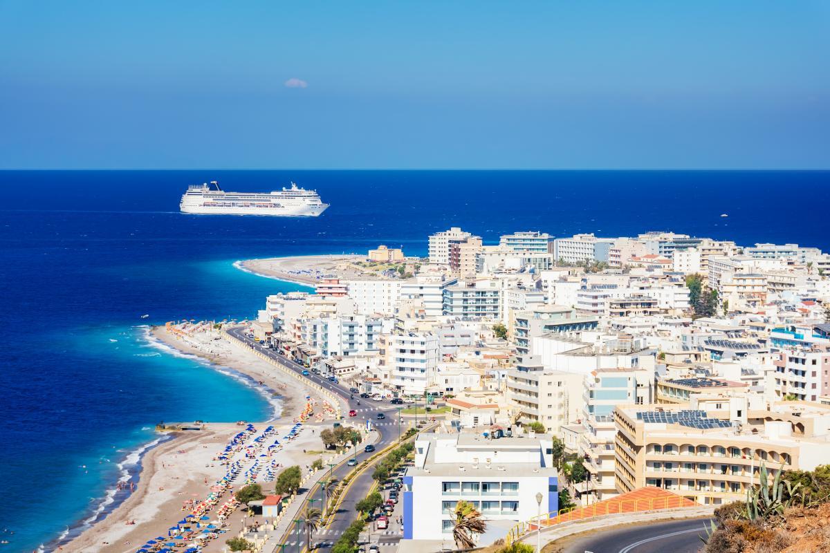 Экономика Греции в значительной степени зависит от международного туризма / фото ua.depositphotos.com