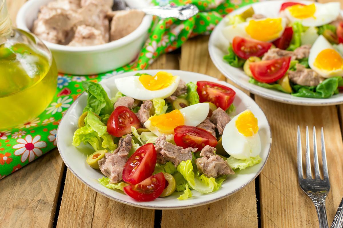 Вкусный салат с печенью трески - рецепт / фото ua.depositphotos.com