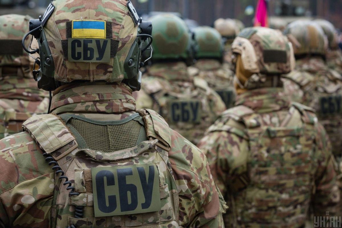 У Луганській області знайдені великі схованки зброї бойовиків \ фото УНІАН