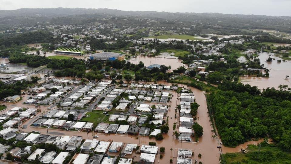 """На Доминикану обрушился тропический шторм """"Исайяс"""" / twitter.com/valventress_"""