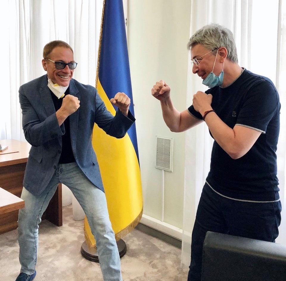 Jean-Claude Van Damme and Ukraine's Clulture Minister Oleksandr Tkachenko / facebook.com/oleksandr.tkachenko.ua