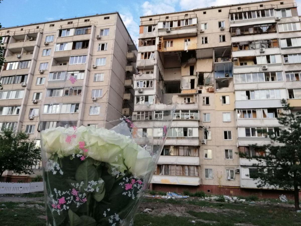 После взрыва в жилом доме на Позняках в Киеве прошло уже сорок дней/ фото УНИАН