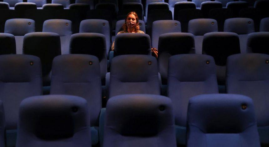 У Мінкульті розповіли, коли в Україні можуть відкритися кафе та кінотеатри
