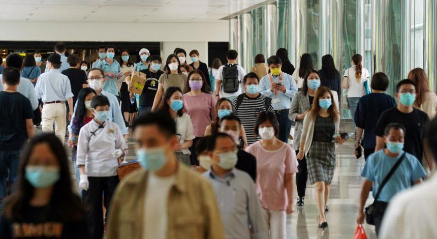 Количество подтвержденных случаев коронавируса в мире превысило 19 миллионов