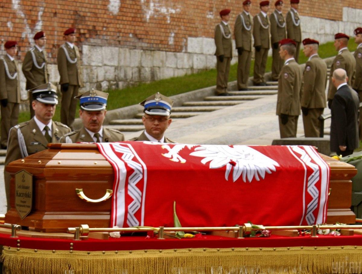 Гроб с телом Президента Польши Леха Качиньского / УНИАН