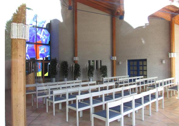 Зала для прощальних церемоній на кладовищі м. Крефельд (Німеччина)