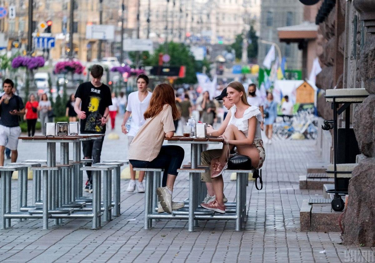 У Києві за добу виявили більше трьохсот нових хворих на коронавірус \ фото УНІАН