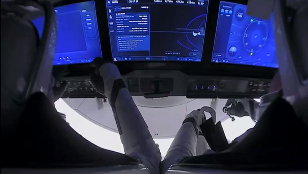 Crew Dragon відстикувався від МКС / twitter.com/SpaceX