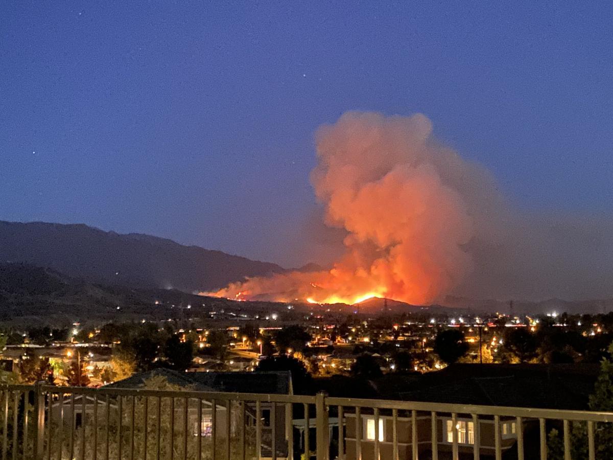 Пожежі в Каліфорнії / фото twitter.com/tinatk0