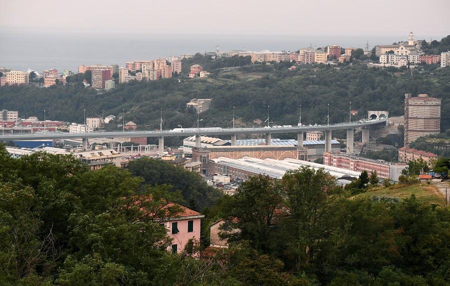 Конструкція нового мосту в Генуї виглядає вражаюче / фото REUTERS
