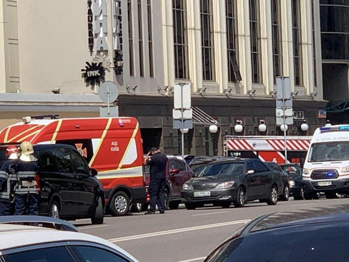 Чоловік попросив викликати поліцію /фото Киев Сейчас