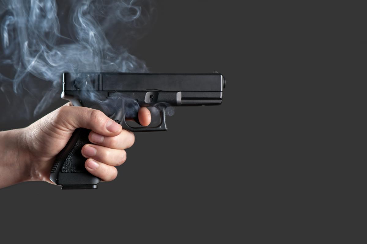 Мужчина после Нового года стрелял по прохожим и попал в пах соседу / ua.depositphotos.com