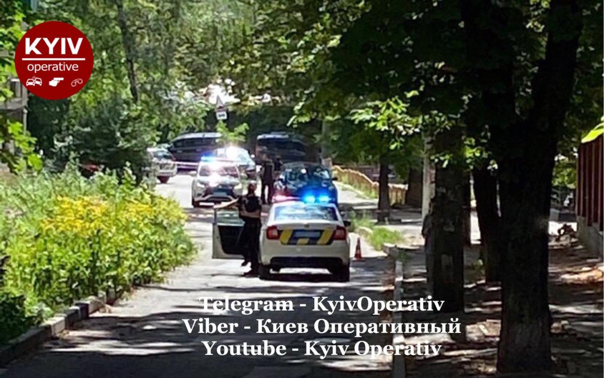 Поліція перекрила рух / фото Киев Оперативный