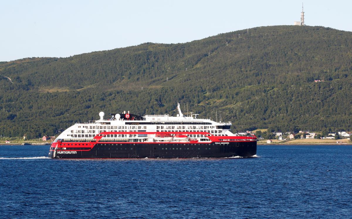 На судні MS Roald Amundsen коронавірус виявили у 40 осіб / фото REUTERS