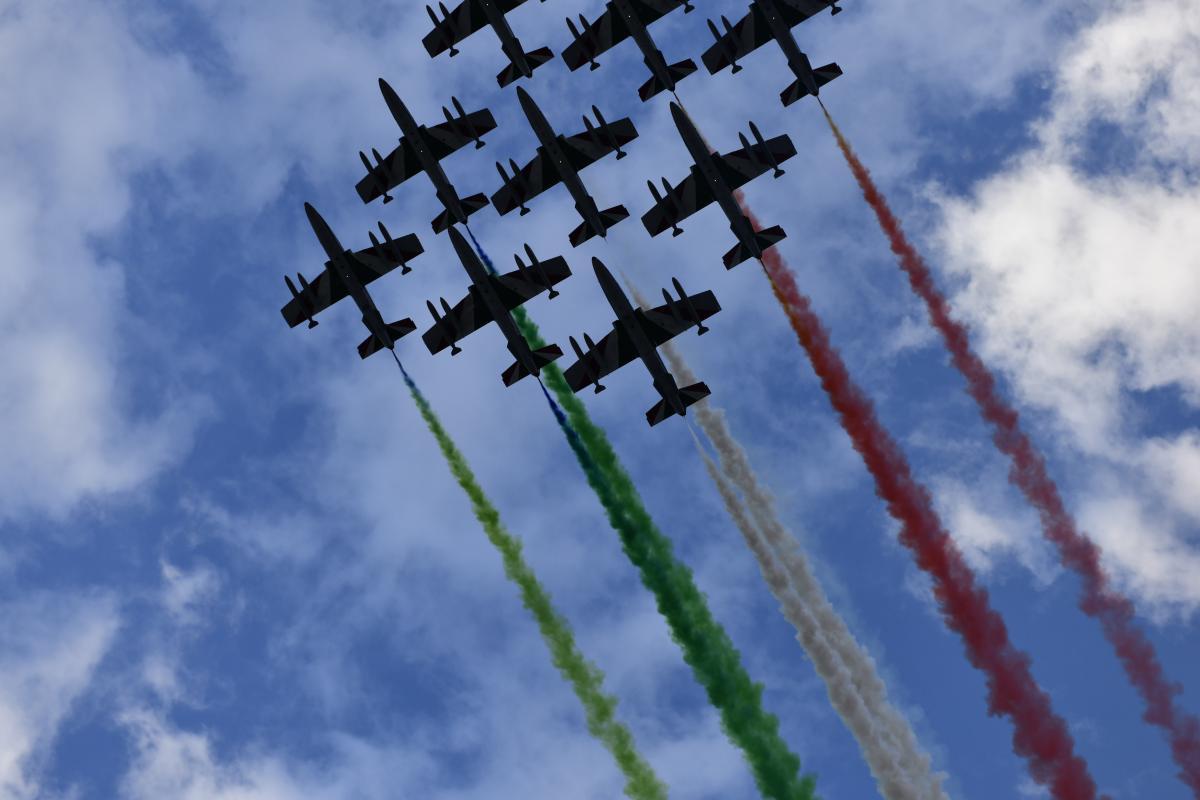 Авіашоу з нагоди відкриття нового мосту в Генуї / фото Filippo Vinardi