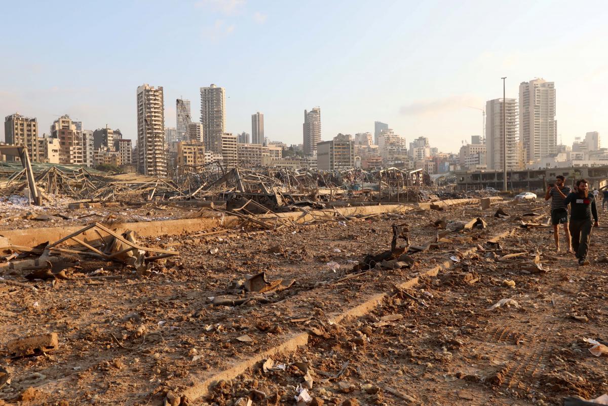 4 августа в порту Бейрута прогремел мощный взрыв/ фото REUTERS