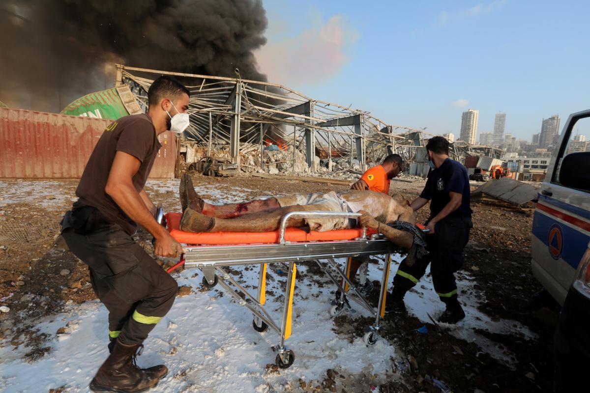 Жертвами взрыва в Бейруте стали десятки людей / фото REUTERS