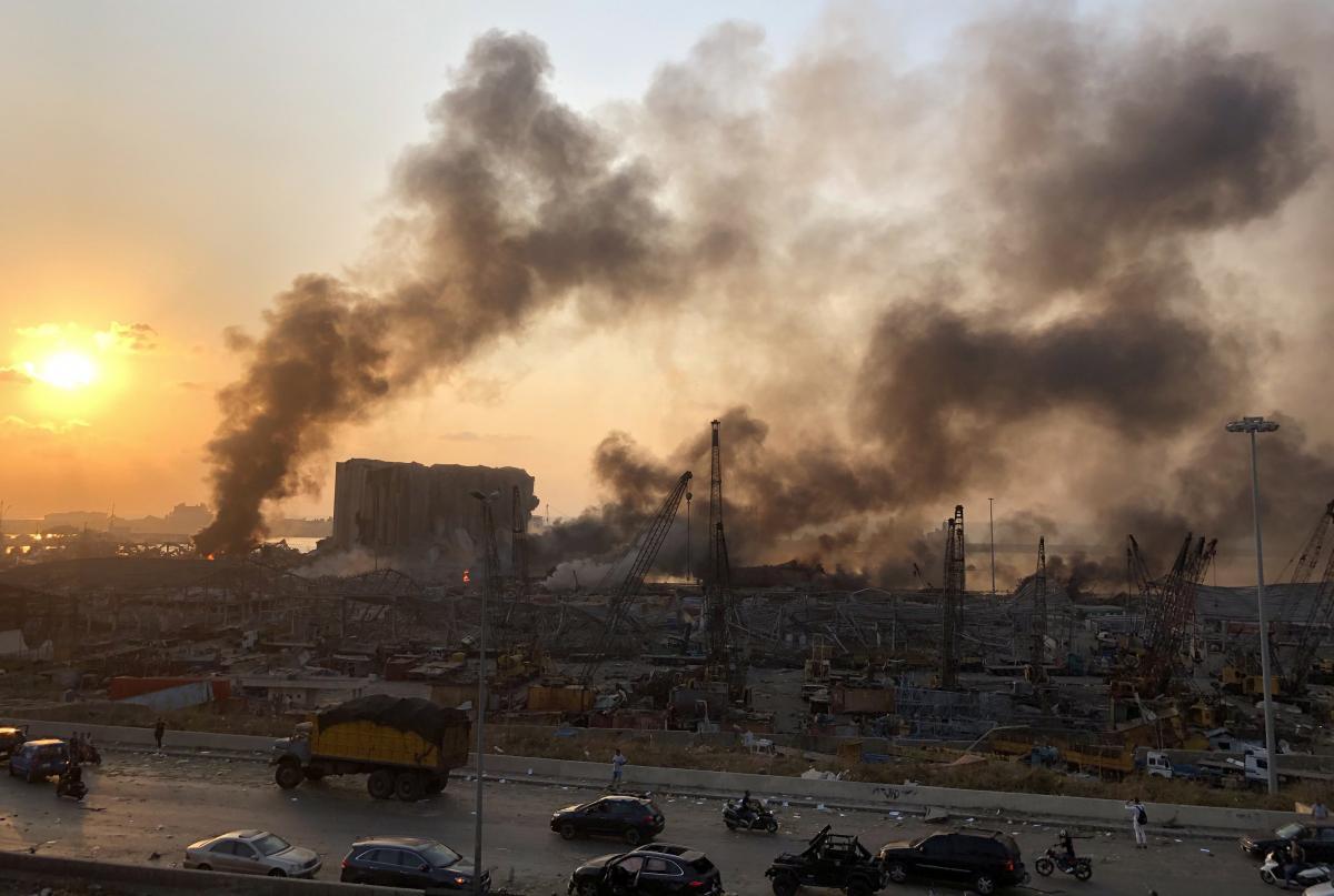 Жертвами взрыва в Бейруте стали десятки человек / фото REUTERS