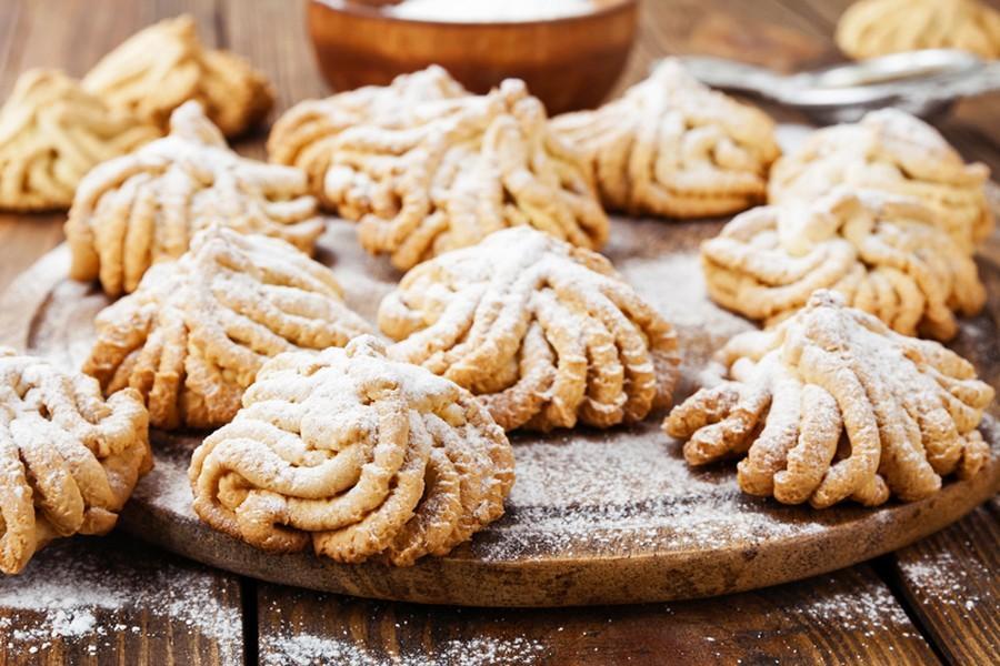 Как приготовить печенье через мясорубку / фото 1000.menu