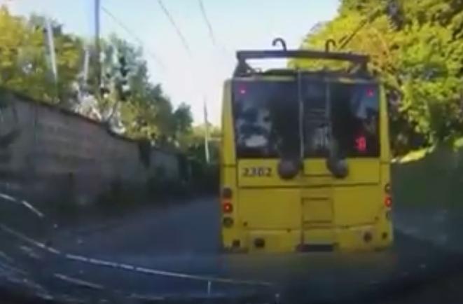Інцидент стався на вулиці Іллєнка / скріншот відео