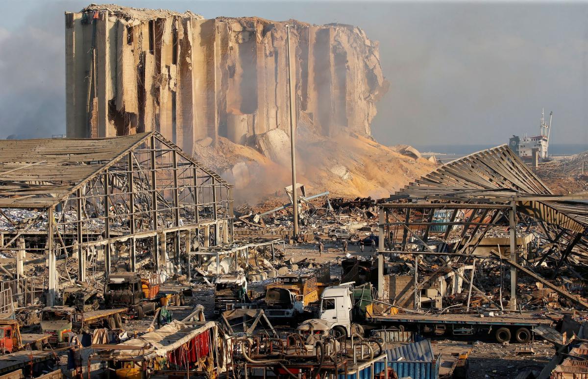 Последствия взрыва в Бейруте / фото REUTERS