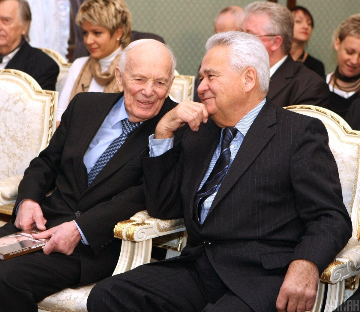 Витольд Фокин (справа) будет участвовать в работе ТКГ / фото УНИАН