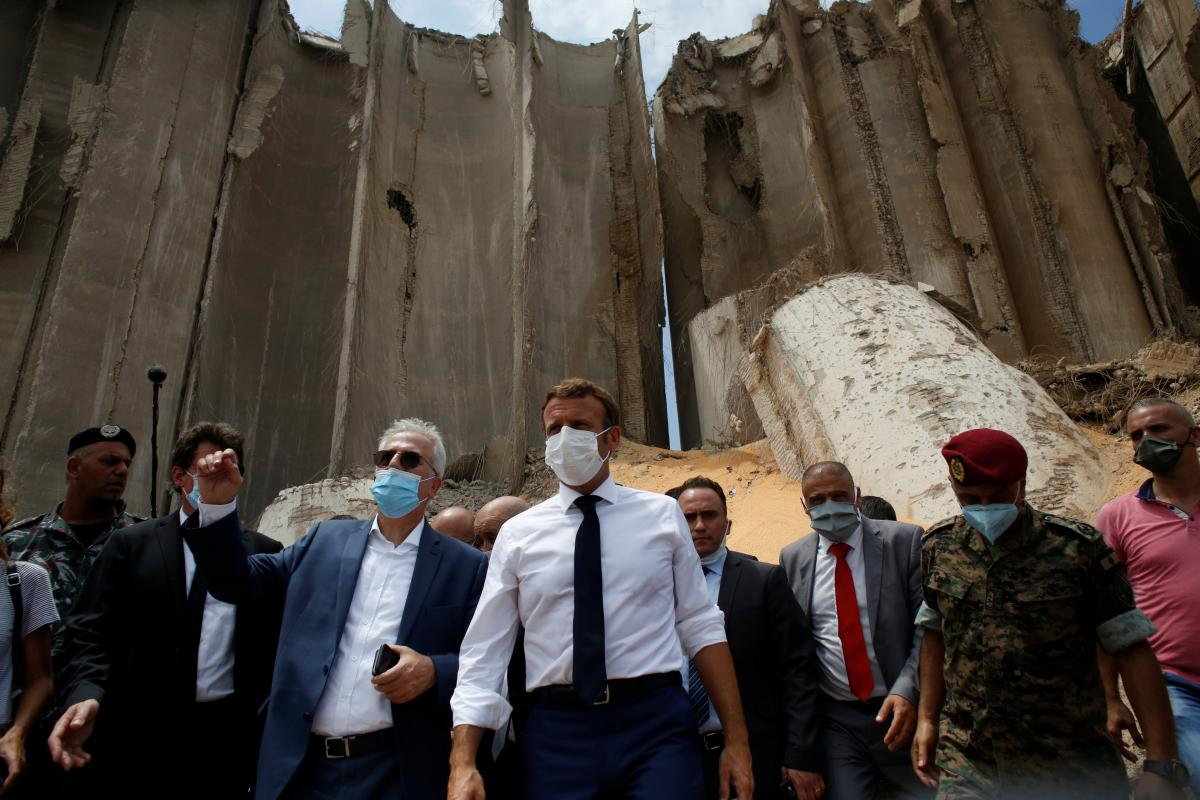 Президент Франції Емманюель Макрон прибув у Бейрут / фото REUTERS