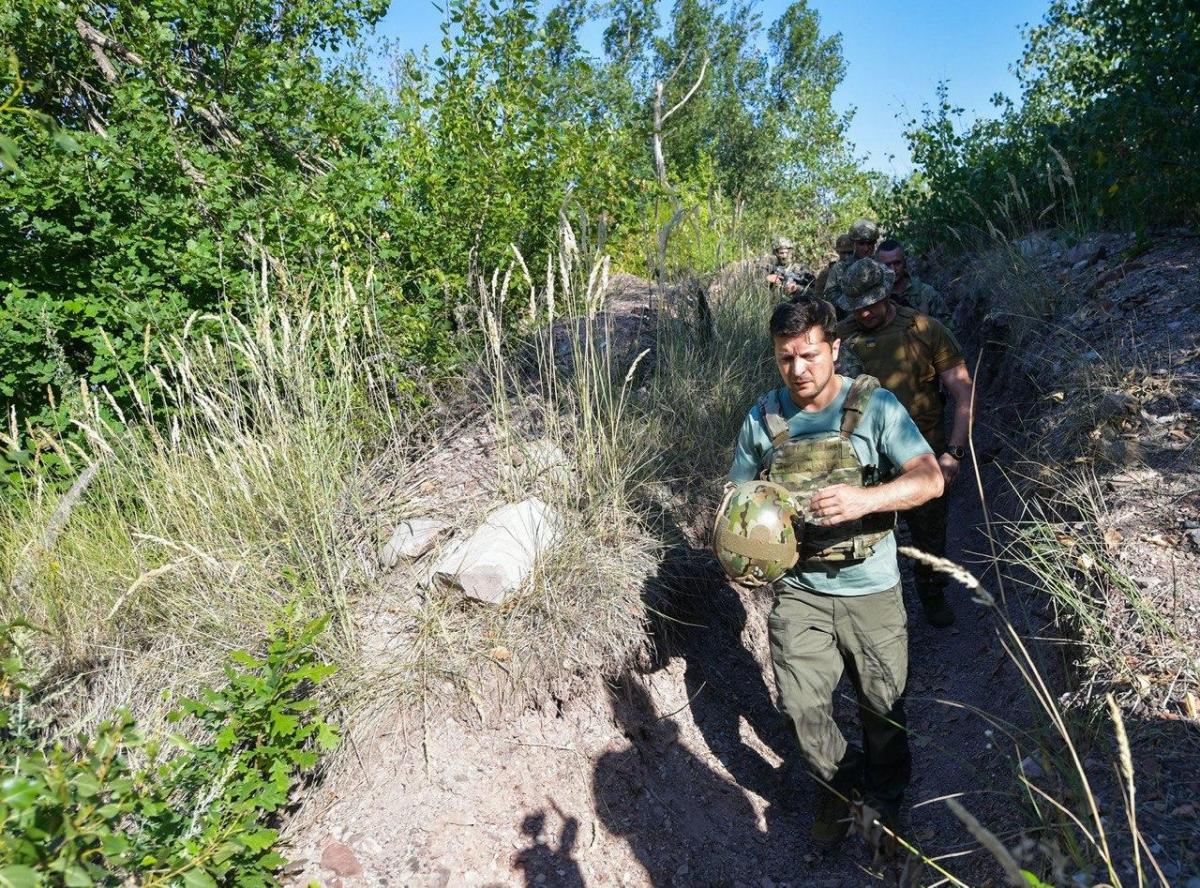 Зеленский посетил позиции украинских военных/ фото ОП