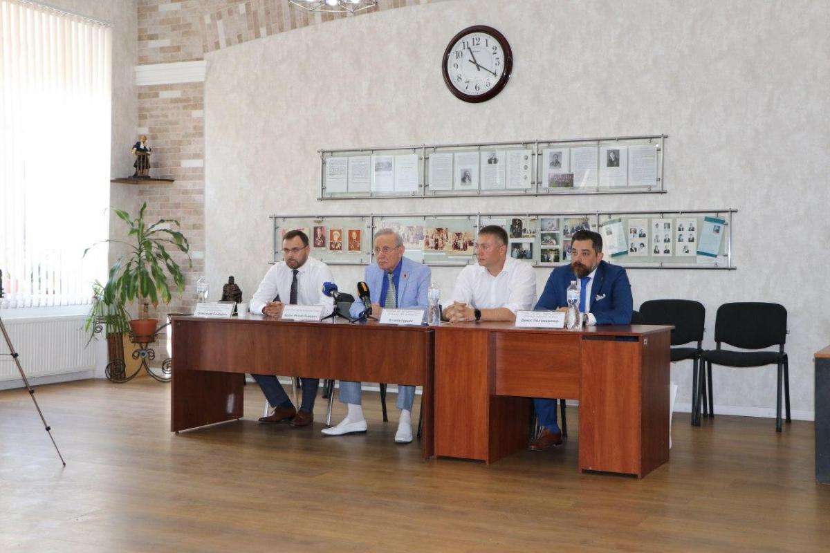 """Виталий Грицик, управляющий партнер адвокатского объединения """"Доминанта"""", рассказал, что лично столкнулся с бешеным давлением"""