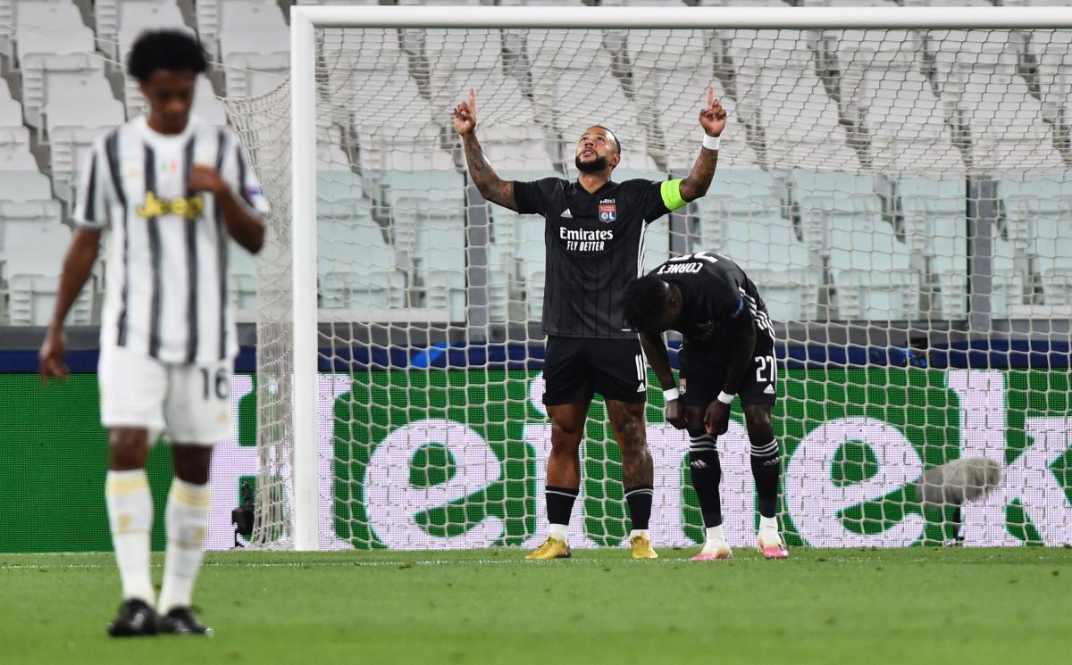 Мемфис Депай открыл счет в матче / фото REUTERS