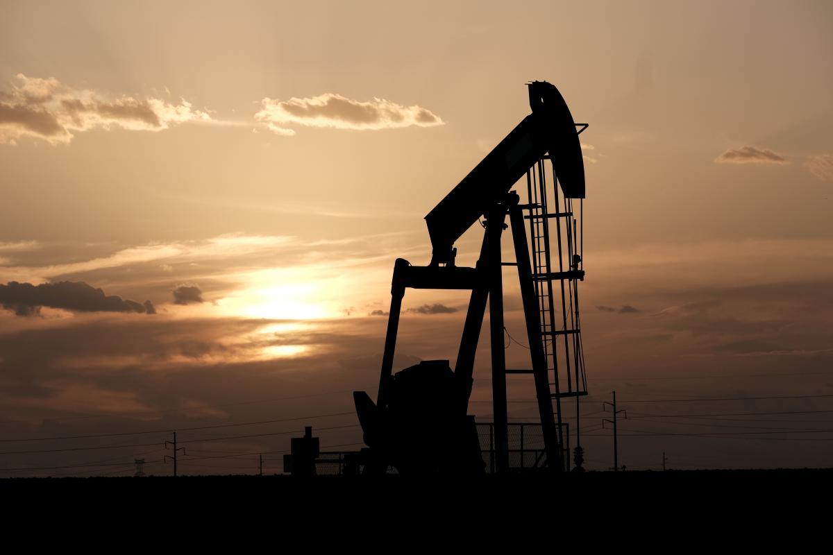Дані EIA також показали зростання запасів бензину і дистилятів / Ілюстрація REUTERS