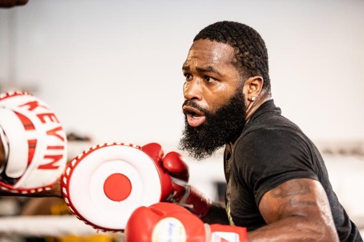 Эдриен Бронер одержал 33 победы в 39 боях / фото BoxingScene