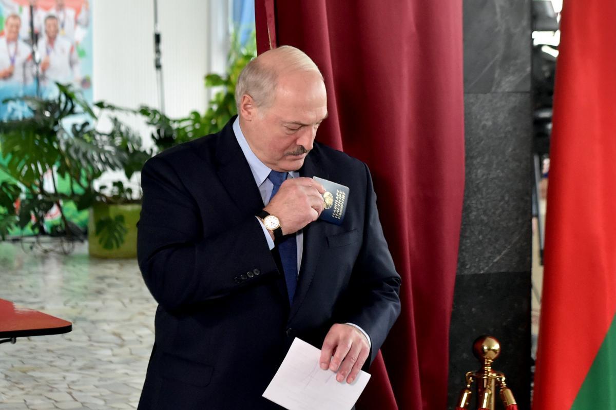 Олександр Лукашенко може втекти до Росії \ REUTERS